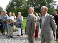 001 28. taasiseseisvumisepäeval Tahkurannas president Konstantin Pätsi ausamba juures. Foto: Tiina Tojak