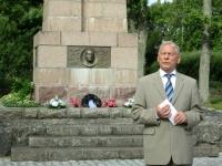 005 28. taasiseseisvumisepäeval Tahkurannas president Konstantin Pätsi ausamba juures. Foto: Tiina Tojak