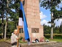 011 28. taasiseseisvumisepäeval Tahkurannas president Konstantin Pätsi ausamba juures. Foto: Marko Šorin