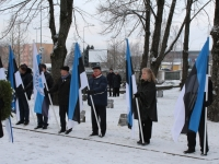 003 3. jaanuar Pärnus Alevi kalmistul. Foto: Lembit Miil