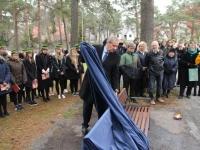 003 Alfred Teaste mälestuspingi avamine. Foto: Jukko Nooni