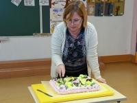 009 Alla koolitab Sindi noori tordi valmistajaid. Foto: Urmas Saard