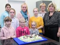 065 Alla koolitab Sindi noori tordi valmistajaid. Foto: Urmas Saard