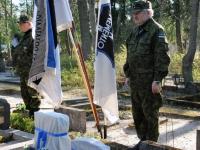 004 Arnold Tikmanni hauatähise taasavamisest. Foto: Urmas Saard