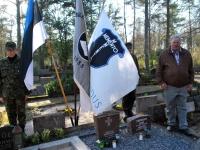 017 Arnold Tikmanni hauatähise taasavamisest. Foto: Urmas Saard