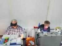 010 Mudeliboksis. Keskel Roland, paremal Andy. Foto: Karmen Mets