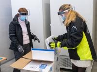 Covid-19 vaktsiini saabumine Eestisse. Foto: Raigo Pajula