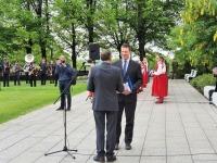 1 Eesti lipu 136. sünnipäeva tähistamine Kuberneri aias. Foto: Marko Šorin