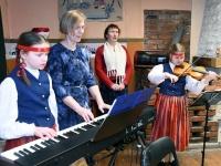 004 Eesti Vabariigi 102. aastapäeva tähistamine Metskülas. Foto: Urmas Saard