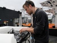 002 DJ Martin Saar. Ekstaatiline tants Solarise katuseaias. Foto Urmas Saard Külauudised