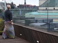 030 Ekstaatiline tants Solarise katuseaias. Foto Urmas Saard Külauudised