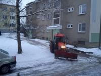Hommikune lumekoristus Jõgeval Uue ja Puiestee tänava nurgal. Foto: Jaan Lukas / Külauudised