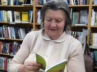 002 Heli Künnapas Urge raamatukogus. Foto: Urmas Saard