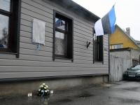 004 Hengo Tulnola mälestustahvli avamisel Pärnus. Foto: Urmas Saard
