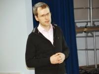 008 Peeter Pärtel. Investeerimiskoolitus Pärnu Koidula gümnaasiumis. Foto: Urmas Saard
