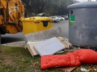 Jäätmetega reostatud konteineriümbrused. Foto: Eesti Pakendiringlus