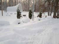 Sadala kõlakoda ja lipuväljak lumemaastikul. Foto: Jaan Lukas