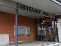 Sindi raamatukogus on avatud kaks loodusfoto näitust. Foto: Urmas Saard / Külauudised