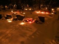 012 Jõuluõhtul Pärnu Metsakalmistul. Foto: Urmas Saard