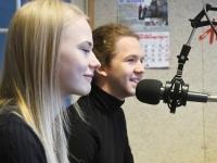 Kelly-Ly Tomingas ja Aksel Verlin Tre Raadio Pärnu stuudios. Foto: Urmas Saard / Külauudised
