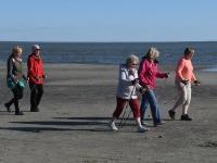 008 Kepikõndijad Pärnu rannas. Foto: Urmas Saard / Külauudised