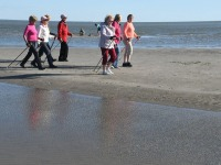 010 Kepikõndijad Pärnu rannas. Foto: Urmas Saard / Külauudised