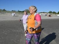 011 Kepikõndijad Pärnu rannas. Foto: Urmas Saard / Külauudised
