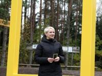SA Kalevipoja Koja juhataja Annika Oras Kollase akna avamisel. Foto: Kaarel Oras