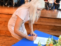007 Koolirahu lepingu sõlmimine Sindi gümnaasiumis. Foto: Urmas Saard