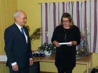 003 Õnnitleb Põhja-Sakala vallavalitsuse kultuurinõunik Evelyn Härm. Foto: Marko Vilu