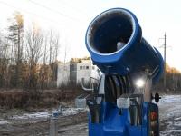 Kunstlume tootmisel Reiu-Raeküla suusarajal. Foto: Urmas Saard / Külauudised