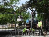 Leinapargis tehtavad tööd lõpujärgus, paar päeva enne juuniküüditamise aastapäeva. Foto: Urmas Saard / Külauudised