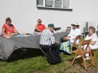 Liivi Aarma autogrammitund Raekülas Aarmate koduhoovil. Foto: Urmas Saard / Külauudised
