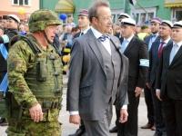 54  President Toomas Hendrik Ilves Kärdlas võidupüha paraadil