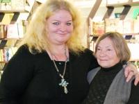 016 Margit Peterson ja Antonina Lepp, Maya ja Petu esitlusel Pärnus. Foto: Urmas Saard