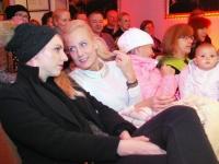 005 Methe Danefeldt kontserdiga Avangard Galeriis. Foto: Urmas Saard