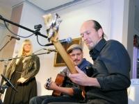 011 Methe Danefeldt kontserdiga Avangard Galeriis. Foto: Urmas Saard