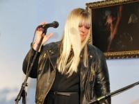 015 Methe Danefeldt kontserdiga Avangard Galeriis. Foto: Urmas Saard