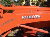 008 Multifunktsionaalne uus traktor Sindis. Foto: Urmas Saard