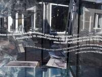 002 Näitus Pärnu Muulid 150 Rüütli ja Pühavaimu tänava nurgal. Foto: Urmas Saard