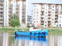 003 Noore naise otsingud Pärnu Kesklinna silla lähedal. Foto: Urmas Saard