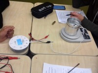"""002 """"Noorte teadlaste"""" projektiga soetatud seadmeid. Foto: Diana Veskimägi"""