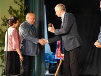 Oskar Lutsu huumoripreemia väljaandmise püsitoetajatest pälvisid tunnustuse Anne ja Villu Reuljan. Foto: Riina Mägi