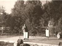 Muuseumi loomise idee algataja Heino Lääne kõnelemas avapeol 1971. aastal. Foto: Paduvere talumuuseumi kogu