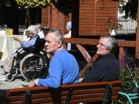 Pärnu haigla dementsussündroomiga inimestele suveaia avamine. Foto: Urmas Saard / Külauudised