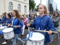 009 Pärnu linn XII noorte laulupeo rongkäigus. Foto: Urmas Saard