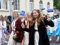 021 Pärnu linn XII noorte laulupeo rongkäigus. Foto: Urmas Saard
