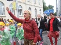 027 Pärnu linn XII noorte laulupeo rongkäigus. Foto: Urmas Saard