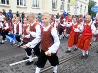 033 Pärnu linn XII noorte laulupeo rongkäigus. Foto: Urmas Saard
