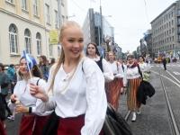 039 Pärnu linn XII noorte laulupeo rongkäigus. Foto: Urmas Saard